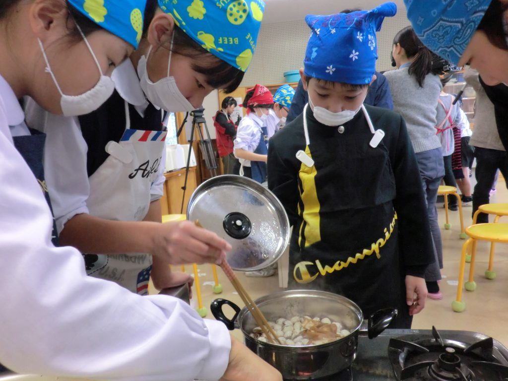 画像:赤貝調理~♪今年の中海産赤貝のお味は?!
